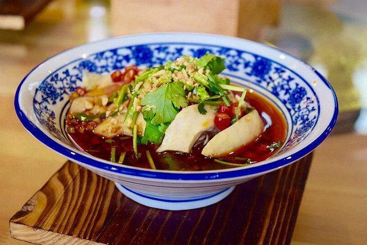 """""""在古色古香的店里,吃着美味的饭菜,看着穿着民国时期的人,感觉棒棒的,对了,店里的米饭很好吃哦_文渊狮城十八碗餐厅""""的评论图片"""