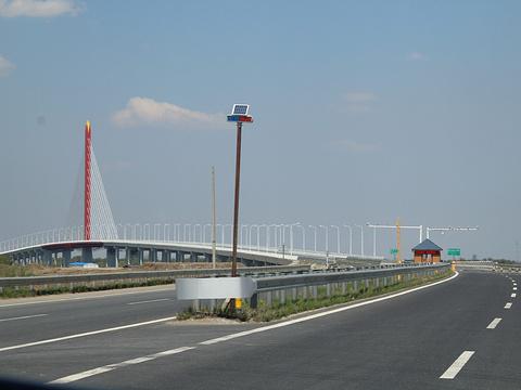乌苏大桥旅游景点图片