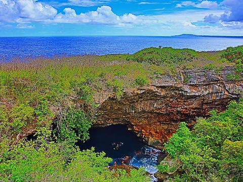 蓝洞旅游景点图片
