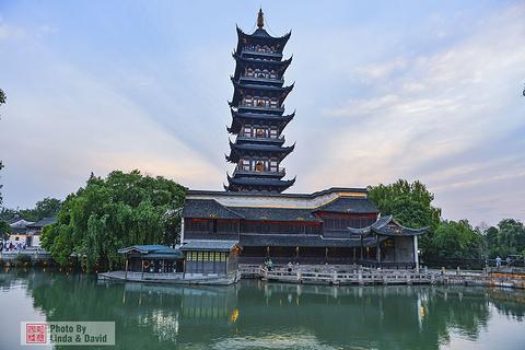 白莲塔寺的图片