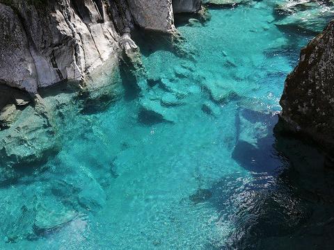 Blue Pools旅游景点图片
