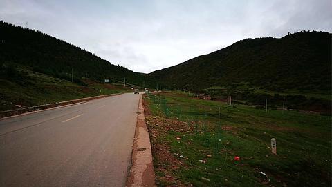 拉乌山旅游景点攻略图