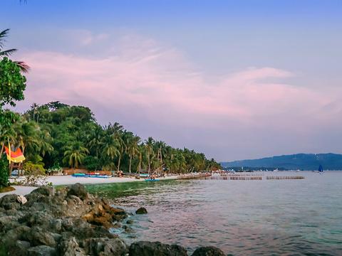 星期五海滩旅游景点图片