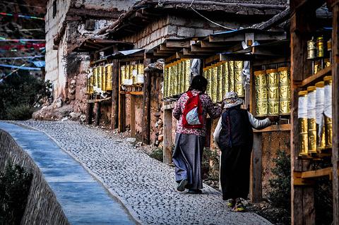 多拉神山旅游景点攻略图