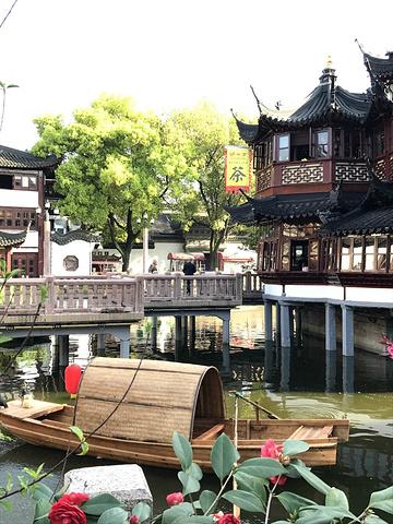 """""""湖心亭茶楼对面是豫园,这是一个经典江南园林,喝茶游园需要半天时间。不设预约,需要提前去等位_上海城隍庙""""的评论图片"""