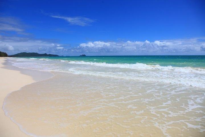 """""""我个人认为怀马纳洛海滩(Waimanalo Beach)是檀香山最好的海滩,这里海水干净透明、..._怀马纳洛海滩""""的评论图片"""