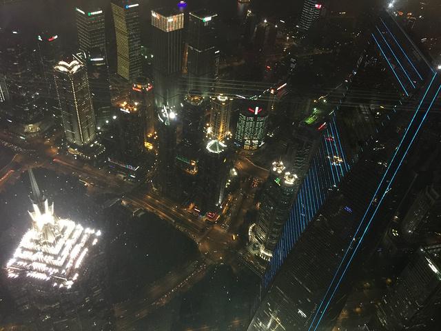 """""""不仅是上海最高的大楼,也是中国最高的大楼,仅次于迪拜哈利法塔的世界第二高摩天大楼,新的上海标志性建筑_上海中心大厦""""的评论图片"""