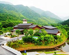 龙虎山-圣井山一条道法天成的旅游线路