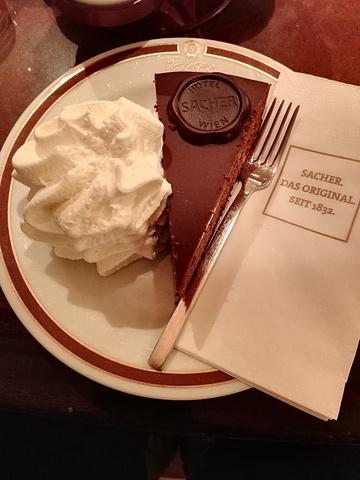 """""""Café Sacher沙赫咖啡馆,该咖啡馆古典优雅,位于闻名于世的同名酒店中,在这里能品尝到久..._沙赫咖啡馆""""的评论图片"""
