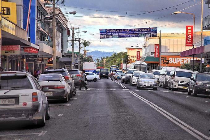 镇上街景图片