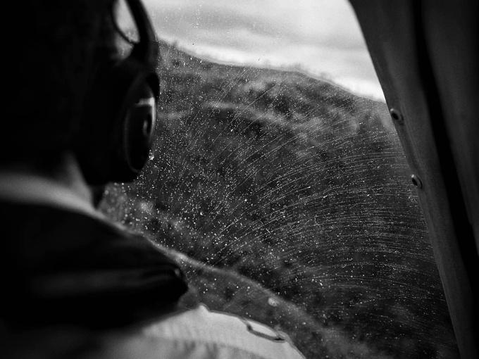 乘坐直升飞机图片