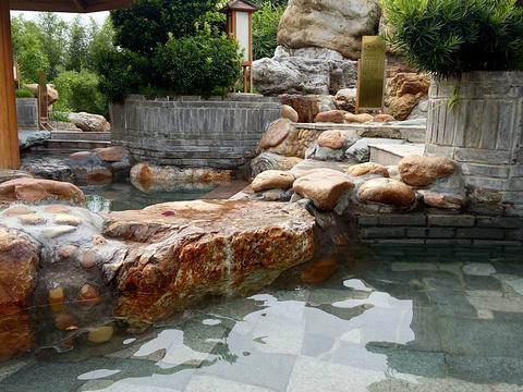 柳州凤凰河温泉旅游景点图片