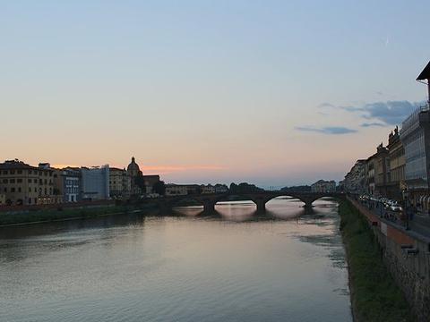 圣三一桥旅游景点图片