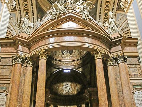 皮拉尔圣母大教堂旅游景点图片