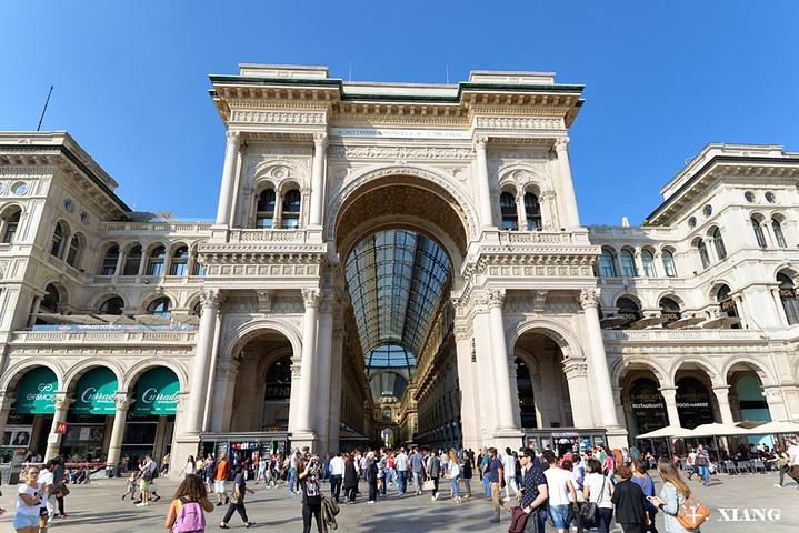 """""""这个华丽的购物商场兴建于1865至1878年间,如今是时尚文化的云集之处,遍布琳琅满目的奢侈品店_埃马努埃莱二世长廊""""的评论图片"""