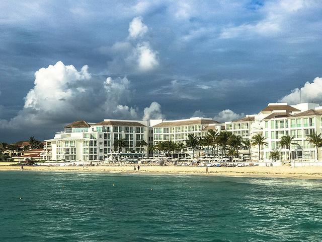 """""""卡门海滩,也是墨西哥非常有名的一个度假海滩。奇琴伊察是古玛雅城市遗址,位于墨西哥尤卡坦州中东部_卡门海滩""""的评论图片"""