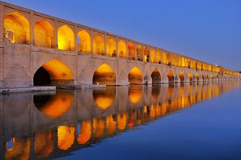 三十三孔桥的图片