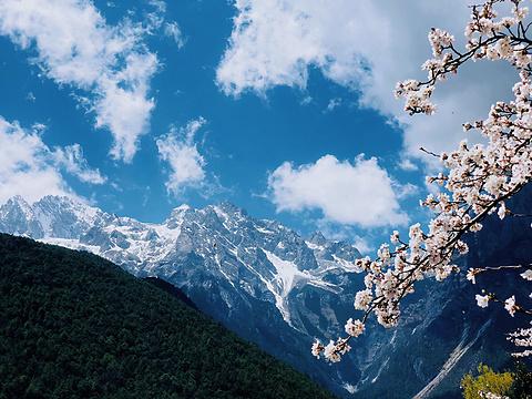 蓝月谷旅游景点图片