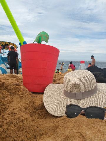 """""""美好的行程从一碗冷面开始所以收拾的特别干净。游泳加挖沙子,再吹个小海风真的是舒服极了。十点左右到达_威海国际海水浴场""""的评论图片"""