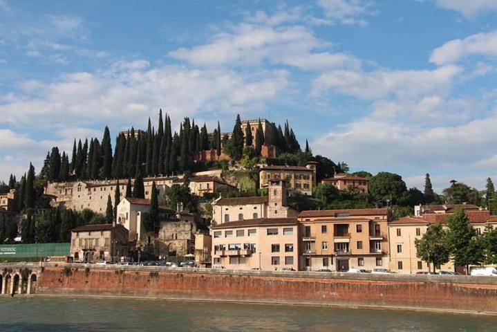"""""""罗马的台伯河、维罗纳的阿迪杰河、佛罗伦萨的阿诺河,比萨与翡冷翠同饮一江水,威尼斯就更别说了_阿迪杰河""""的评论图片"""