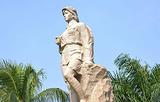 红色娘子军雕像
