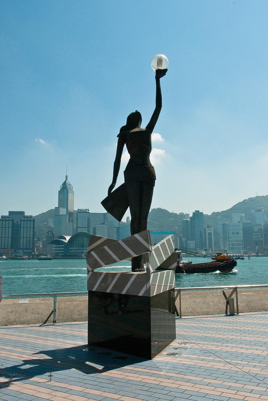 找寻电影中香港的繁华与寂静