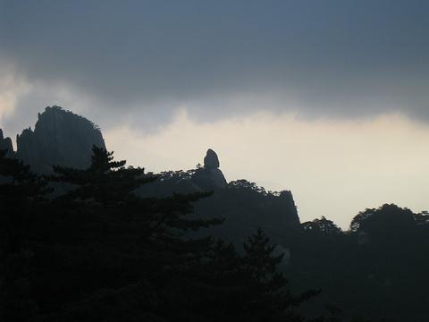 飞来石旅游景点图片
