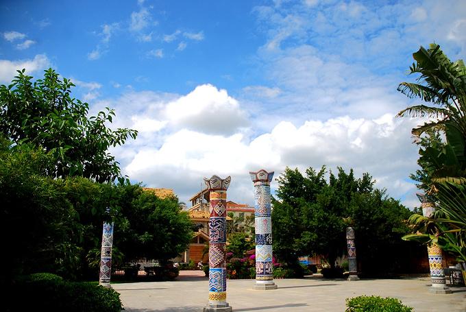 黎族传统文化博览区图片