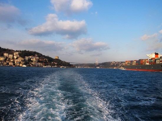 布鲁斯海峡游船图片