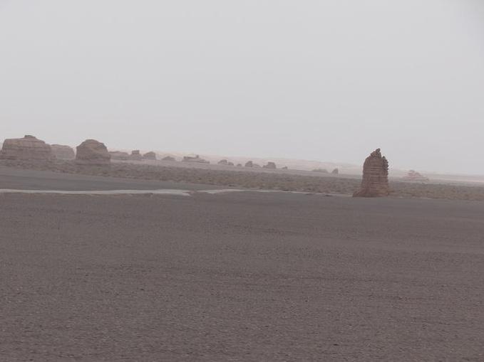 雅丹魔鬼城-玉门关-汉长城-当金山-大柴旦湖图片