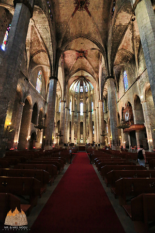 """""""科普一下:海洋圣母教堂位于哥特区东部的另一座中世纪遗留下来的哥特式大教堂,仅次于巴塞罗那大教堂_海洋圣母教堂""""的评论图片"""