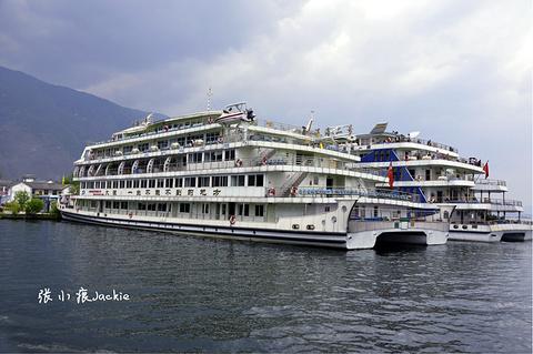 洱海游船的图片