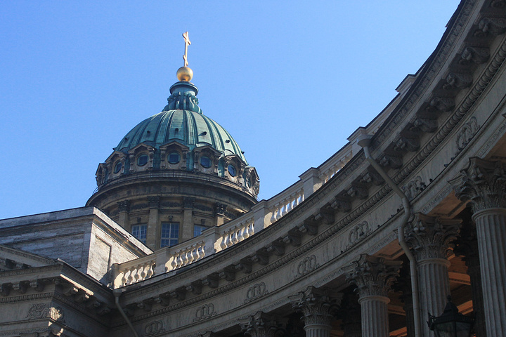 """""""喀山大教堂,这座古罗马风格的宏伟建筑吸引着全世界游客来此一睹它的风采,是的,这里从清晨到黄昏,..._喀山大教堂""""的评论图片"""