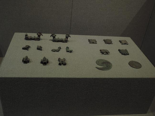 青铜器博物馆图片
