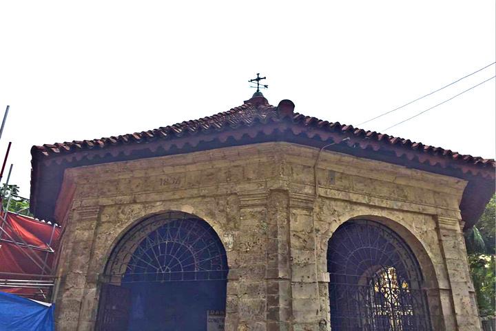 """""""这是此行最喜欢的一个景点——麦哲伦十字架,虽说这个小房子看起来其貌不扬(当地人说这就是我要找的..._麦哲伦十字架""""的评论图片"""