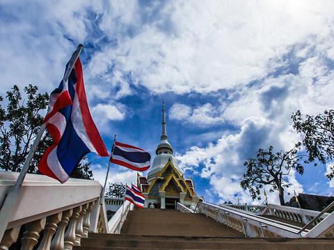 Wat Khao Lat旅游景点图片