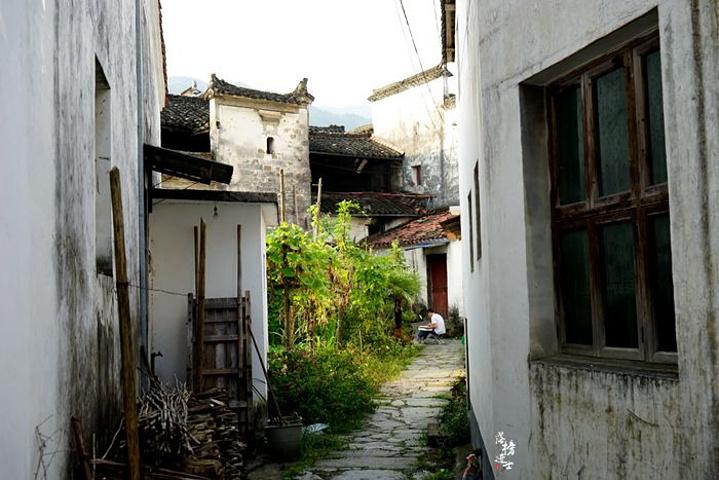 """""""它们的建筑非常精美,众多的古建筑错落有致的分布在古村之中,让理坑也成为我国明清民宅,官邸最为集..._理坑""""的评论图片"""