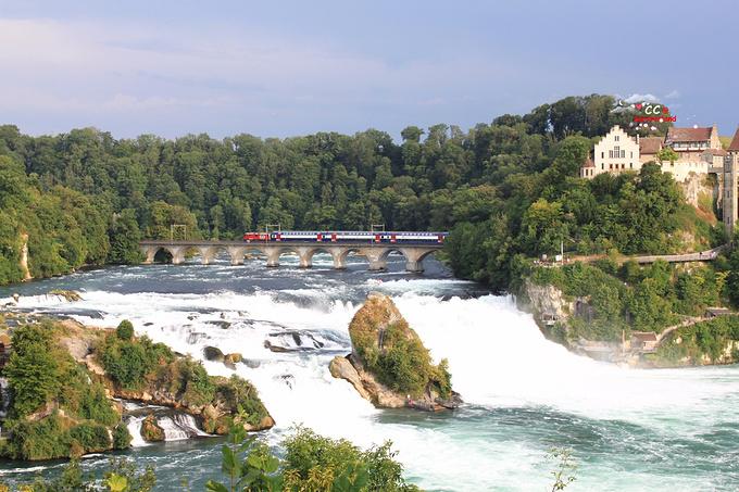 莱茵瀑布图片