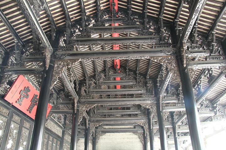 """""""...建筑很壮观,巧妙精湛的房梁,还有匠心独具的屏风等等,代表了岭南建筑的特色,凸显了文化精髓,很赞_陈家祠""""的评论图片"""