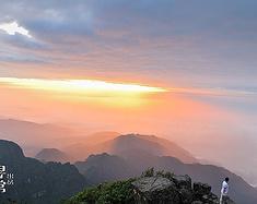 峨眉山上的云和霞,是我见过最美的烟花