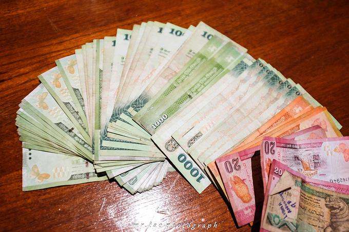 关 于 货 币图片