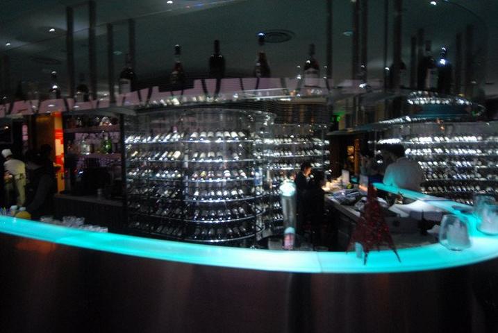 """""""东方明珠的旋转餐厅非常具有特色,东方明珠旋转餐厅是东方明珠的特色之一,位于观光层的上面,是亚洲..._东方明珠""""的评论图片"""