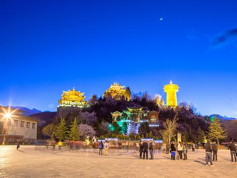 月光广场旅游景点图片