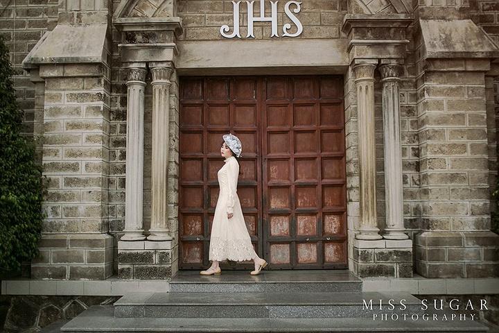 """""""我们是8点就到达的,所以参观的游客几乎没有,只有零散的拍婚纱照的一两对。门票 免费用时参考 1小时_芽庄大教堂""""的评论图片"""