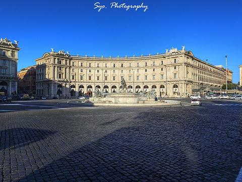 共和国广场旅游景点图片