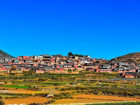 迤沙拉村旅游景点图片