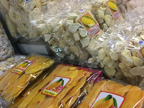 瓦洛洛市场旅游景点图片