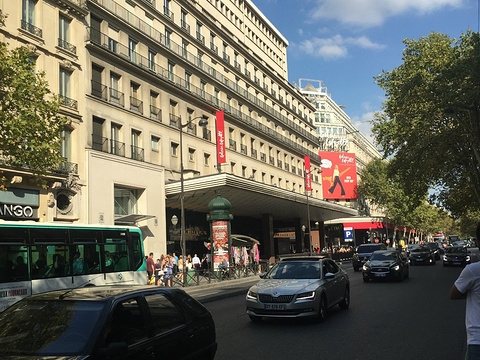 巴黎老佛爷百货旅游景点图片