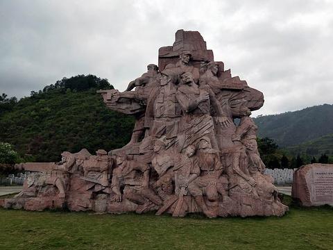 青杠坡红军烈士纪念碑旅游景点图片