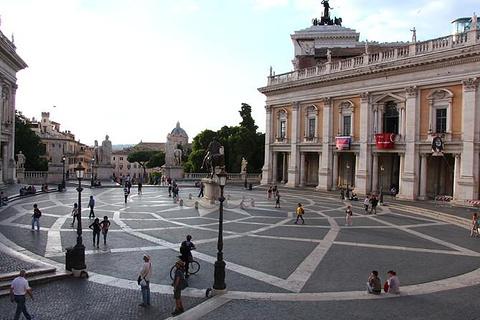 卡比托利欧广场的图片